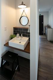 玄関のすぐそばにある洗面所